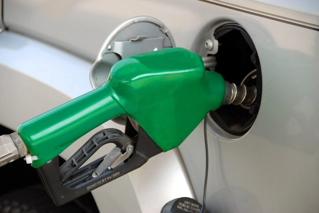 Pumping gas and earning cash back using the GetUpside app